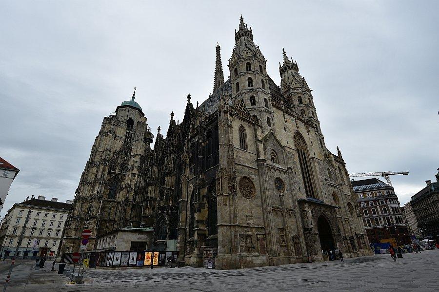 奧地利-維也納-聖史蒂芬教堂的北面